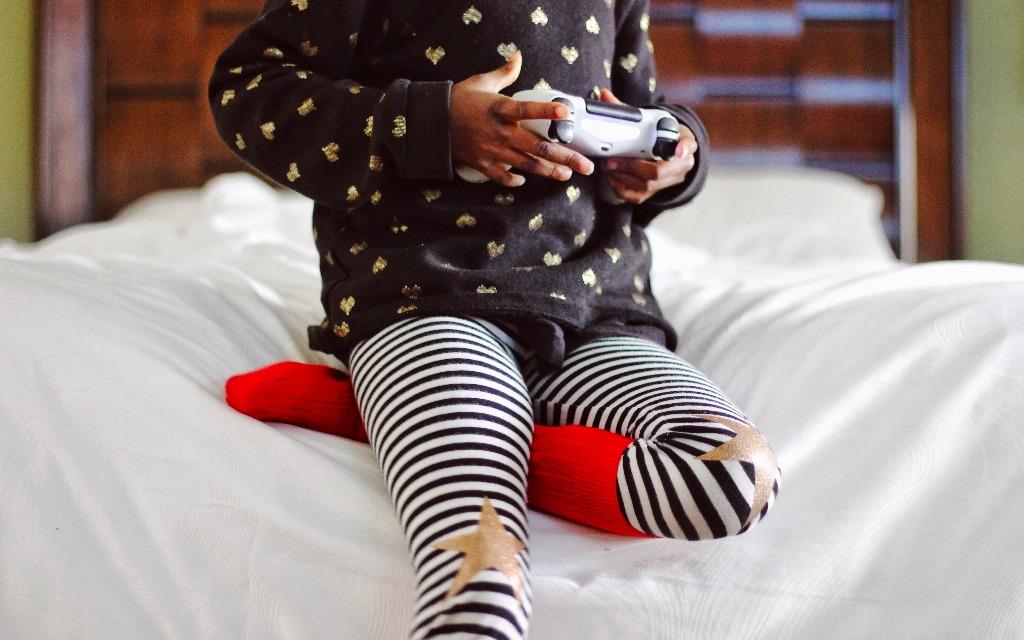 Mädchensachen tragen muss junge Mädchen die