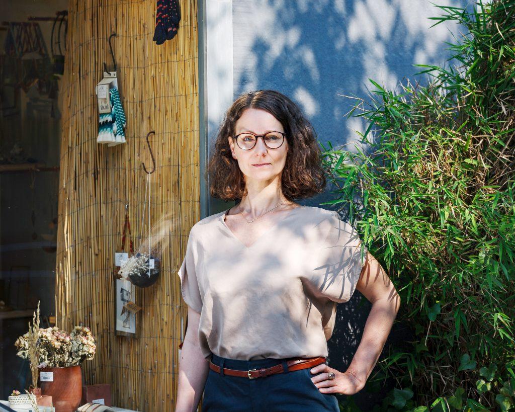 """Meike Pfeiffer ist die Inhaberin des Geschäfts """"cob"""" in Essen."""